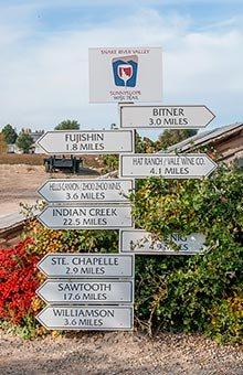 Sunnyslope wine trail wayfinder at Huston Vineyards