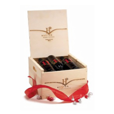 Wooden box of Huston Vineyards Private Reserve Red wine