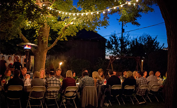 Evening at a Huston Vineyards farm-to-fork event