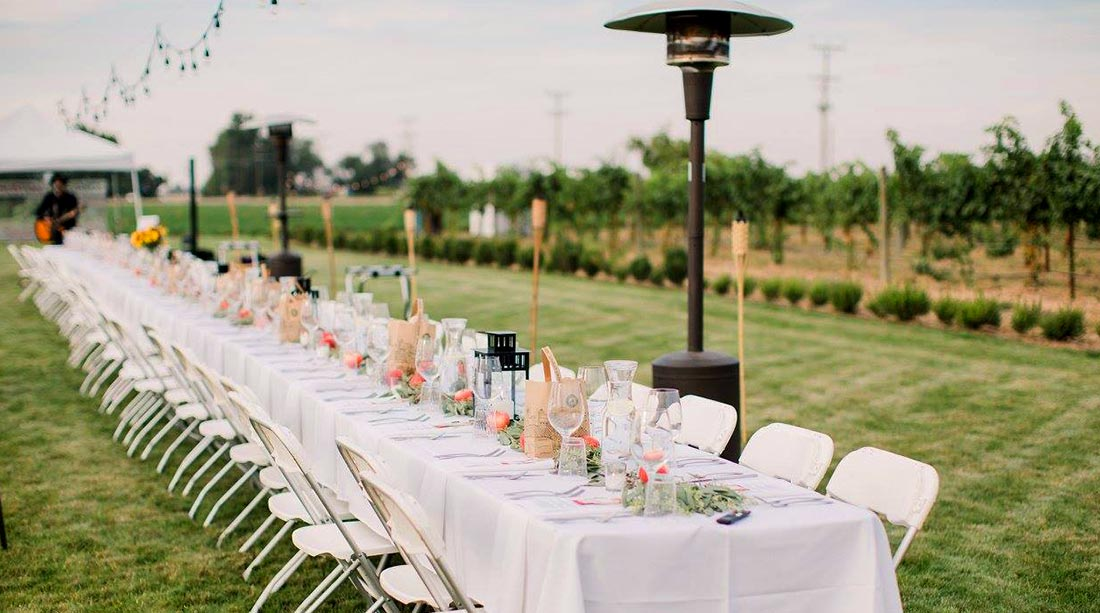 A time of grateful gatherings at Huston Vineyards